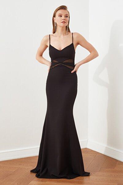 TRENDYOLMİLLA Siyah Dantel Detaylı Abiye & Mezuniyet Elbisesi TPRSS21AE0123