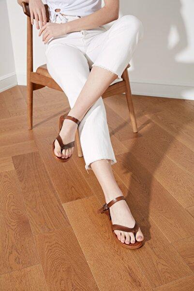 TRENDYOLMİLLA Kahverengi Hakiki Deri Kadın Sandalet TAKSS21SD0035