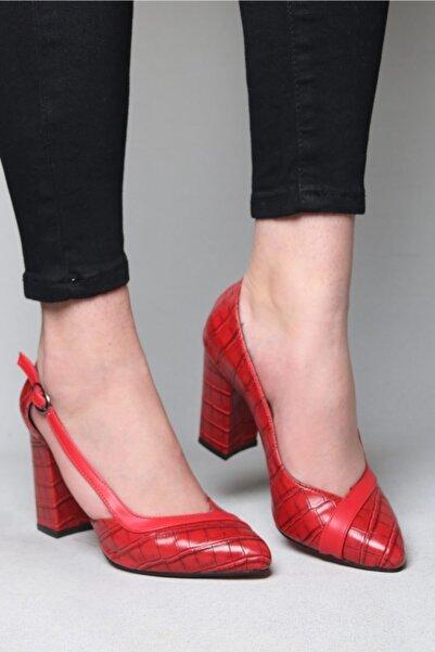 ramiye Kadın  Yandan Kemerli Kalın Topuk Stiletto Kırmızı Deri