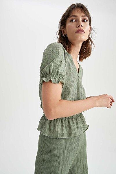 DeFacto Kadın Yeşil V Yaka Büzgülü Bel ve Kol Detaylı Bluz