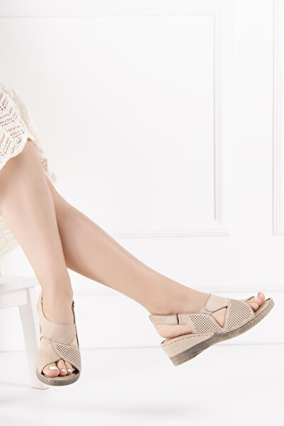 Venüs Kadın Bej Hakiki Deri Sandalet
