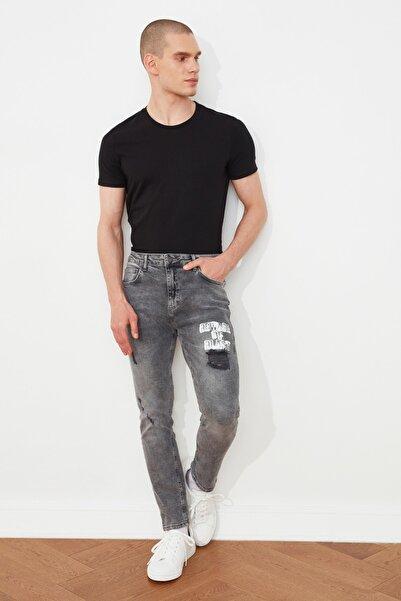 TRENDYOL MAN Antrasit Erkek Yırtık Detaylı Baskılı Normal Bel Slim Fit Jeans TMNSS21JE0190