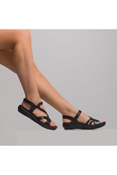 Venüs Kadın Siyah Üzeri Çapraz Bantlı Deri  Sandalet