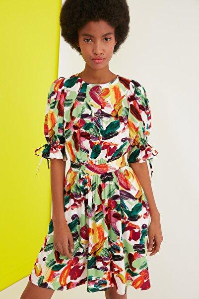 TRENDYOLMİLLA Çok Renkli Desenli Elbise TWOSS21EL1989