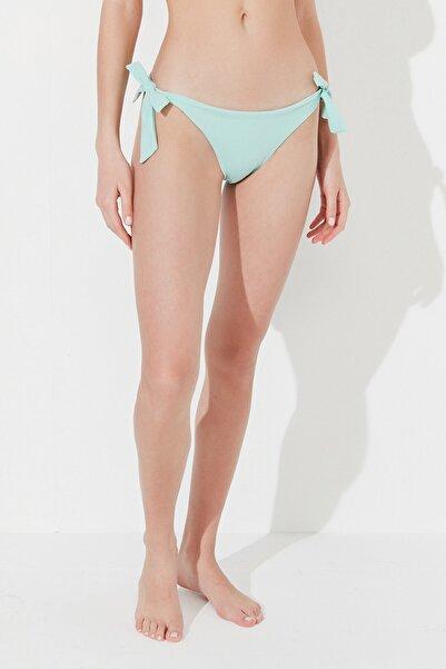 Penti Kadın Mint Yeşili Basic Brazilian Bikini Altı