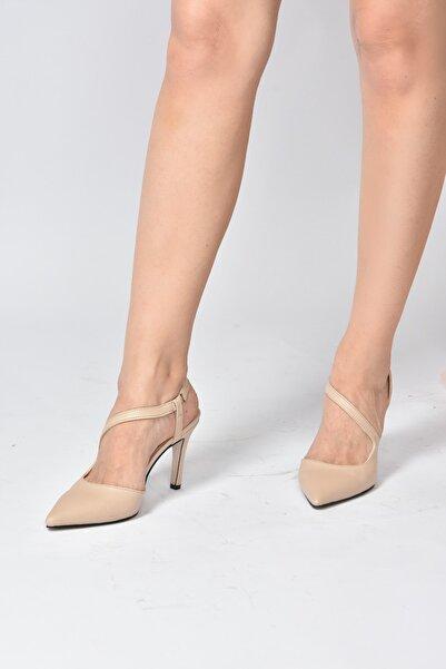 Fox Shoes Kadın Bej Ten Sivri Burun  Topuklu Ayakkabı K404910809