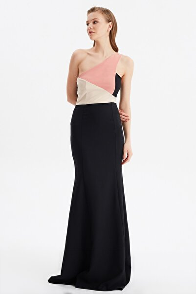 TRENDYOLMİLLA Siyah Renk Bloklu Abiye & Mezuniyet Elbisesi TPRSS21AE0197