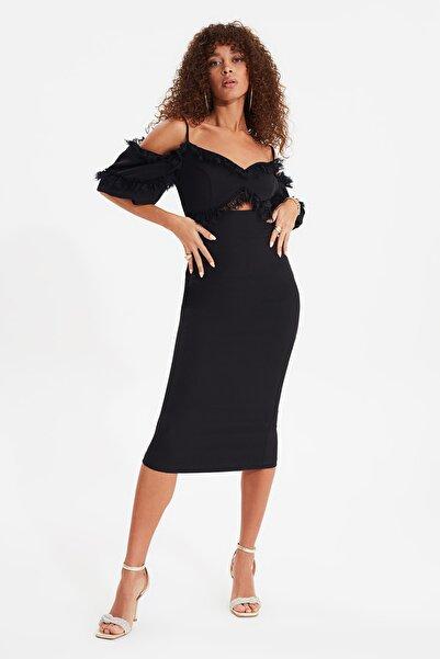 TRENDYOLMİLLA Siyah Dantel Detaylı  Elbise TPRSS20EL0015