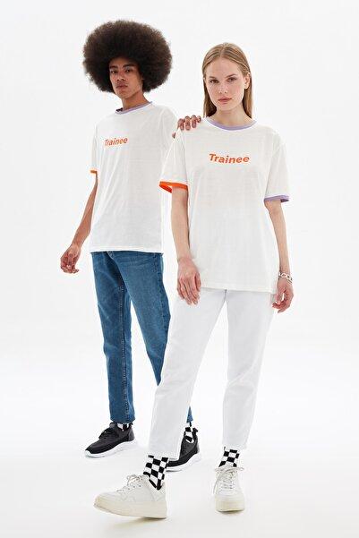TRENDYOL MAN Beyaz Unisex Regular Fit T-Shirt TMNSS21TS3371
