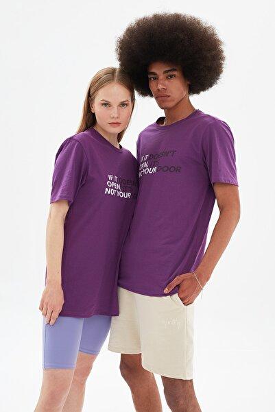 TRENDYOL MAN Mor Unisex Regular Fit T-Shirt TMNSS21TS3359