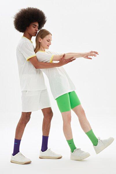 TRENDYOL MAN Beyaz Unisex Regular Fit T-Shirt TMNSS21TS3367