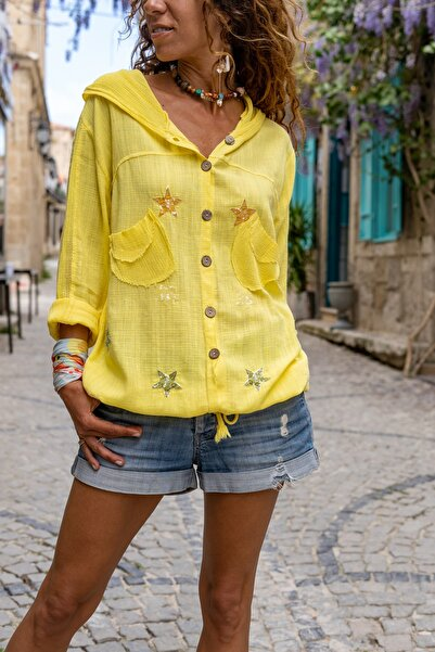 Güneşkızı Kadın Sarı Yıkamalı Keten Fileli Yıldız Pullu Kapüşonlu Bluz GK-RSD2046