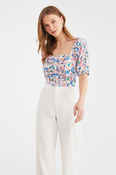 TRENDYOLMİLLA Çok Renkli Çiçek Desenli Bluz TWOSS20BZ1276