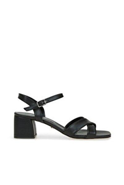 Kadın Siyah Çapraz Bantlı Sandalet