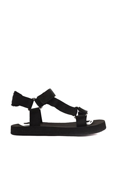 TRENDYOLMİLLA Siyah Kadın Sandalet TAKSS21SD0028