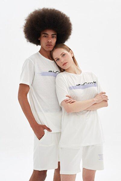 TRENDYOL MAN Beyaz Unisex Regular Fit T-Shirt TMNSS21TS3351