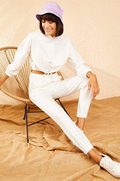 Bianco Lucci Kadın Beyaz Kapüşonlu Basic Eşofman Takım 10111053