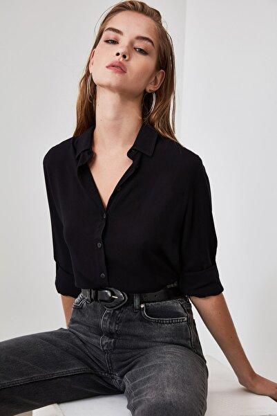 TRENDYOLMİLLA Siyah Basic Gömlek TWOAW20GO0218