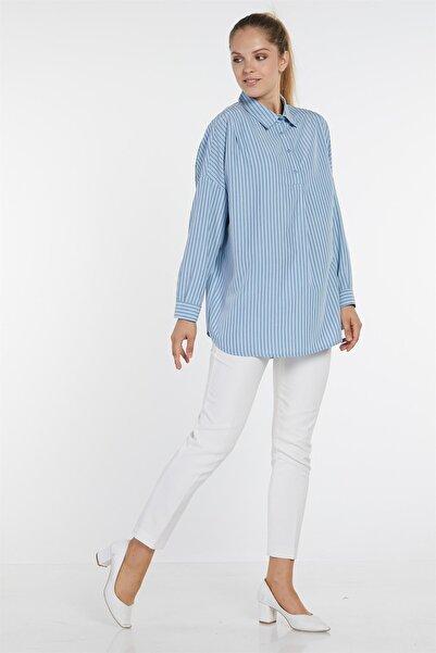 Nihan Kadın Mavi Çizgili Düğmeli Gömlek