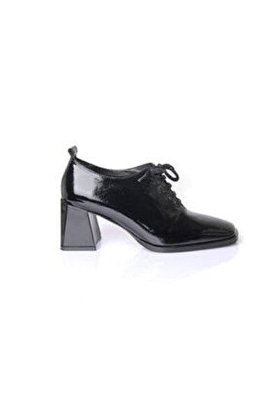 Kadın Siyah Rugan Hakiki Deri Ayakkabı 7235