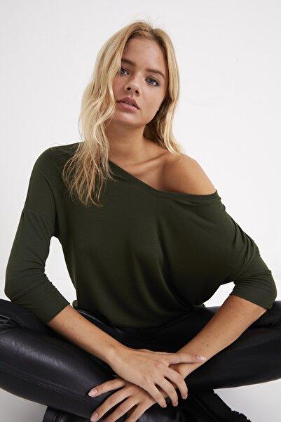 Cool & Sexy Kadın Haki V Yaka Salaş Bluz TZ2610