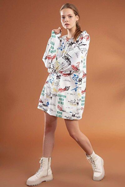 Y-London Kadın Beyaz Yazı Baskılı Kapşonlu Oversize Elbise Sweatshirt Y20W110-4125-3