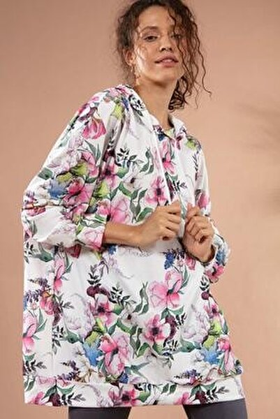 Kadın Beyaz Çiçekli Kapşonlu Örme Sweatshirt Y20W110-4125-29