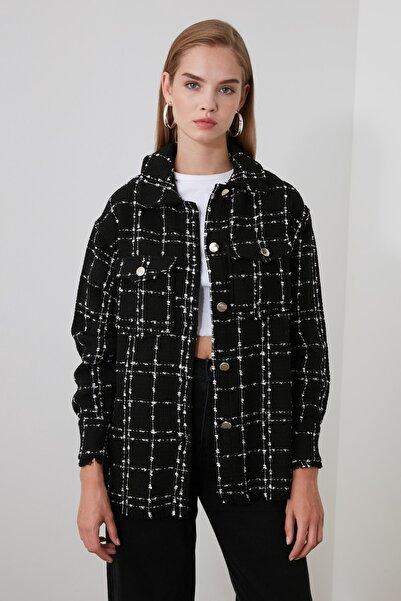 TRENDYOLMİLLA Siyah Cep Detaylı Ekose Ceket Gömlek TWOAW21GO0087