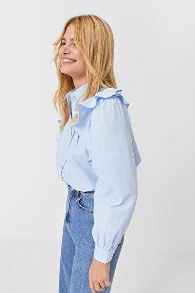 Stradivarius Kadın Açık Mavi Volanlı Gömlek 02197602