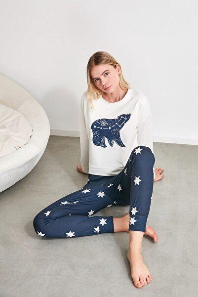 TRENDYOLMİLLA Yıldız Baskılı Örme  Pijama Takımı THMAW21PT0241