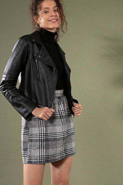 Y-London Kadın Siyah Beyaz Ekose Desen Beli Lastikli Oduncu Kısa Etek 5210