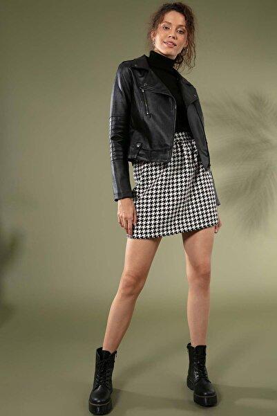 Y-London Kadın Siyah Beyaz Kaz Ayağı Desen Beli Lastikli Oduncu Kısa Etek 5201 Y19W123-5201