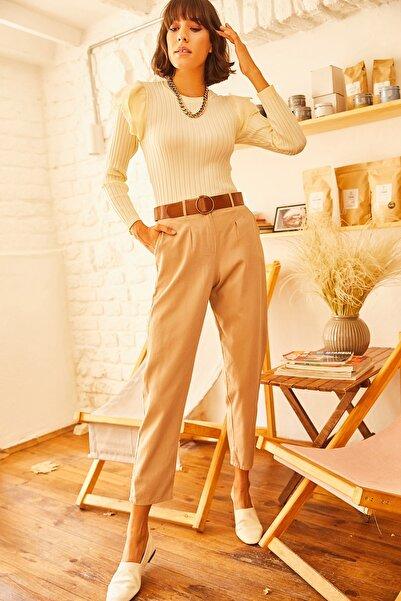 Olalook Kadın Bej Kemerli Cepli Beli Lastikli Yıkamalı Gabardin Pantolon PNT-19000107