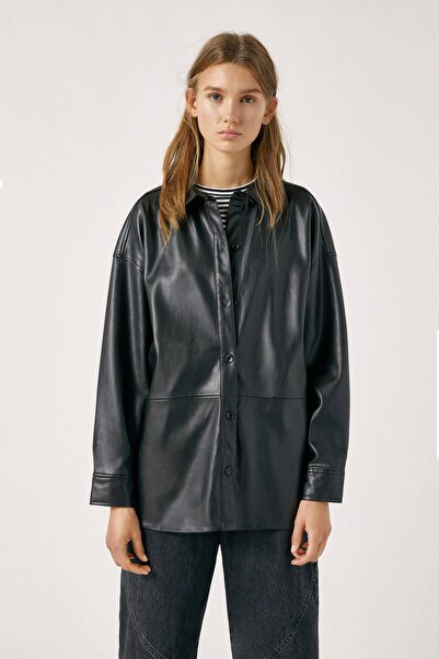 Pull & Bear Kadın Siyah Panelled Faux Leather Overshirt 09470322
