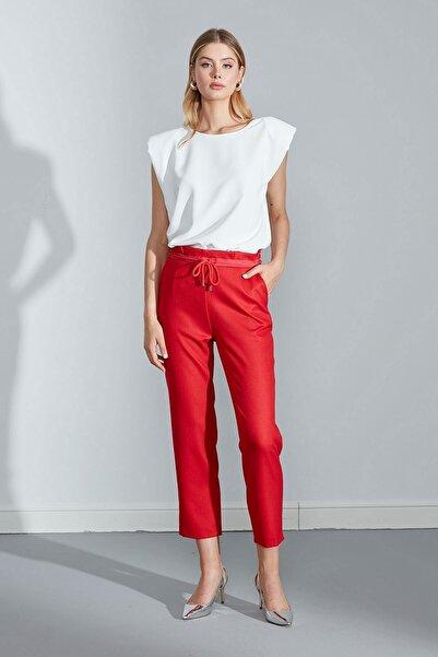 Journey Kadın Kırmızı Kemer Üstü Pile Ve Grogren Detaylı Önden Bağcıklı Pantolon