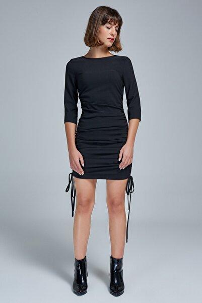 Appleline Kadın Siyah Yandan Büzgülü Elbise