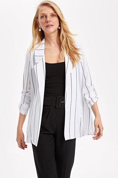 DeFacto Kadın Beyaz Çizgili Blazer Ceket L1970AZ.19SM.WT52