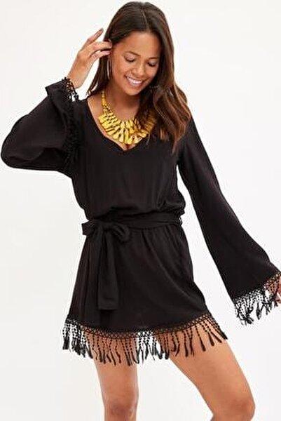 Kadın Siyah V Yaka Püskül Detaylı Plaj Elbisesi M3623AZ.19HS.BK27