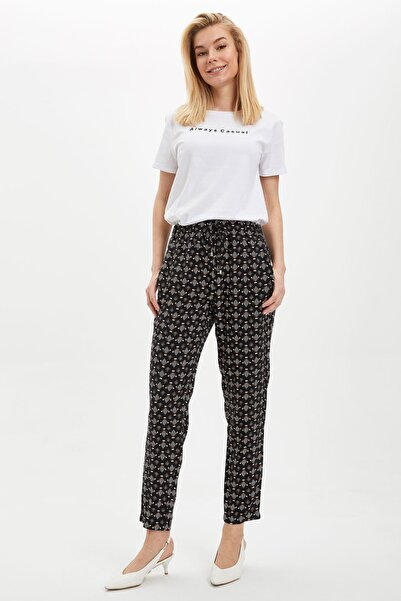 Kadın Siyah Bağcık Detaylı Desenli Pantolon I3709AZ.20SM.BK27