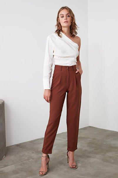 TRENDYOLMİLLA Kahverengi Basic Pantolon TWOAW21PL0198