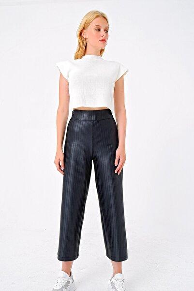 Trend Alaçatı Stili Kadın Siyah Fermuarlı Deri Görünümlü Fitilli Pantolon ALC-018-066-DR1