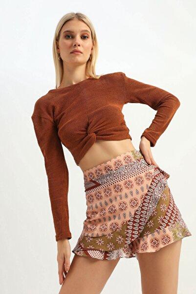 Quzu Kadın Kahverengi Düğüm Detaylı Crop Bluz