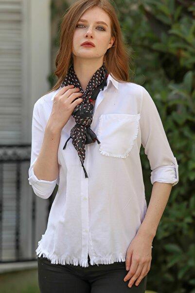 Chiccy Kadın Beyaz Vintage cep ve etek ucu saçaklı kolları ayarlı gömlek M10010400GM99515