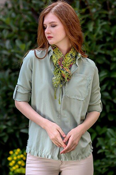 Chiccy Kadın Nil Yeşili Vintage cep ve etek ucu saçaklı kolları ayarlı gömlek M10010400GM99515