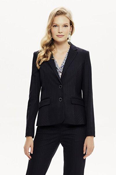 Naramaxx Kadın Siyah Çizgili Kapak Cepli Ceket