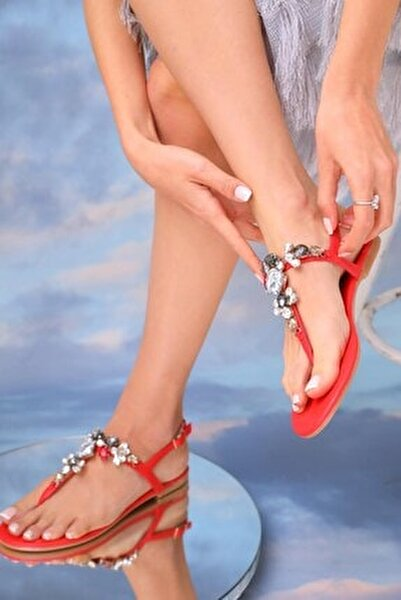 Kadın Kırmızı Çok Renkli Günlük Taşlı Sandalet