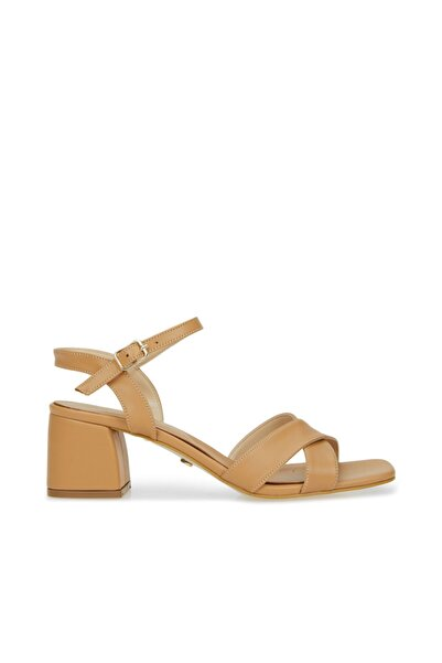Dıvarese Kadın Camel Çapraz Bantlı Sandalet