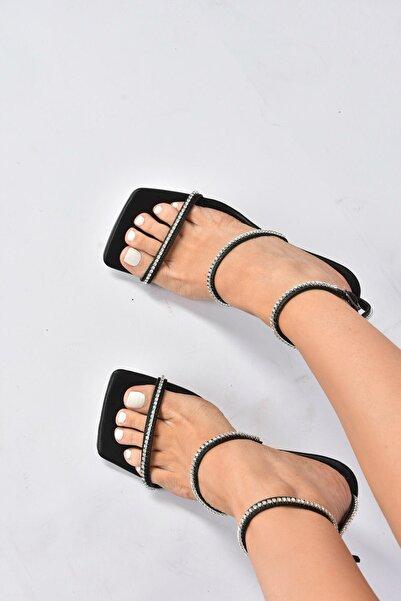 Fox Shoes Kadın  Siyah  Topuklu Ayakkabı K404920109