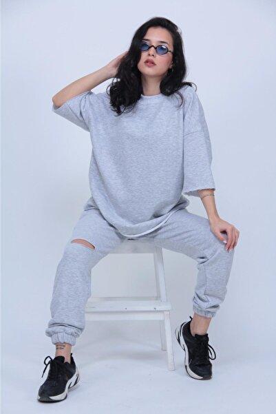 ronay giyim Kadın Gri Oversize Dizi Yırtık Eşofman Takımı