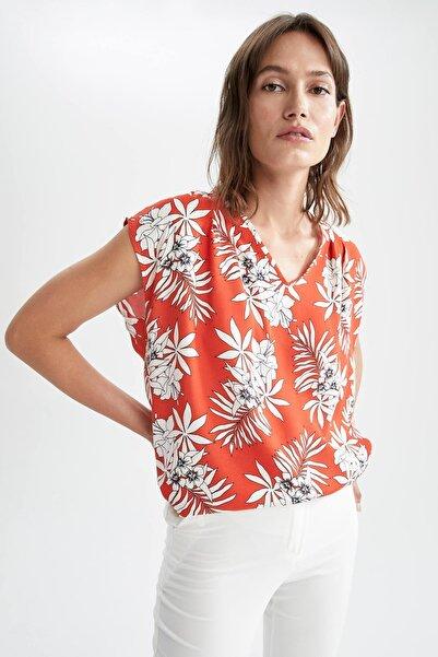 DeFacto Tropik Desenli V Yaka Relax Fit Askılı Bluz